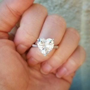 🔥JUST IN🔥 3.5 CARAT SIMULATED HEART DIAMOND RING